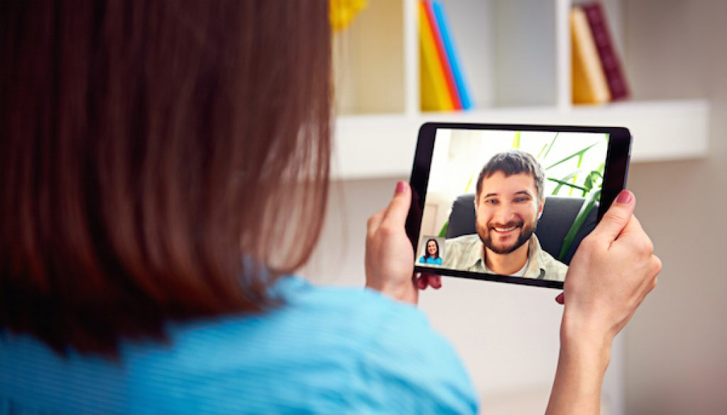 Video Conference Face Time iPad 600x400pxl